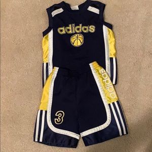 Adidas outfit - like New